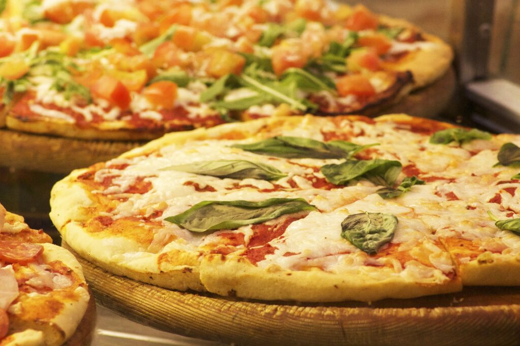Recipe for homemade Pizza 4 Cheeses. Cheese Pizza Recipe