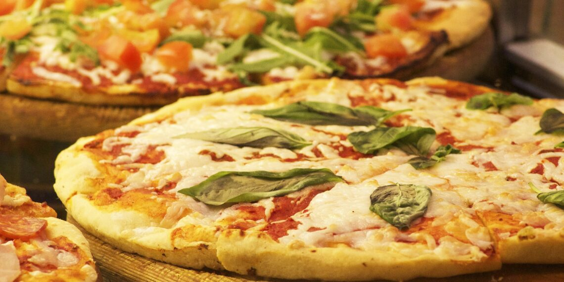 Recipe for homemade Pizza 4 Cheeses